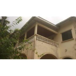 Maison a vendre sur 572m2...